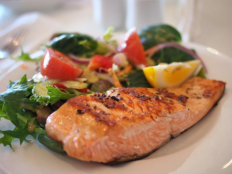 Kuva ruokalan kala-annoksesta